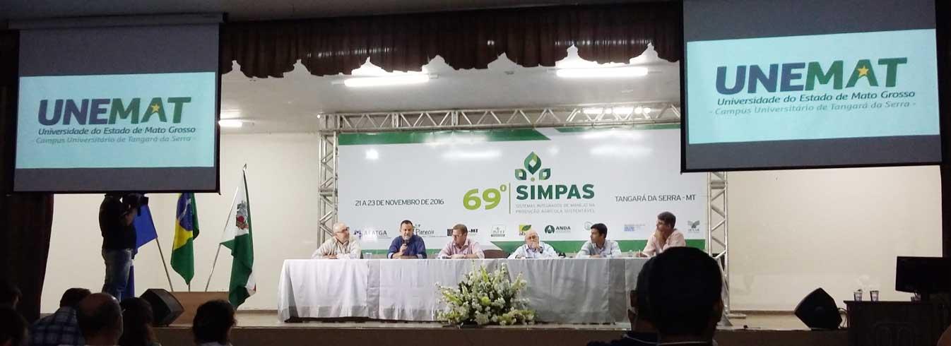 Professores e estudantes do curso de Agronomia participam do 69º SIMPAS