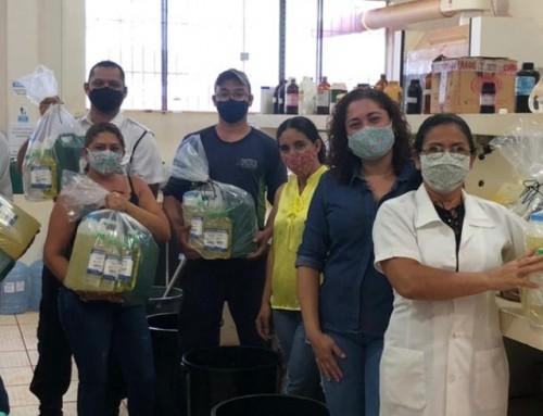 Parceria entre  Unemat e IFMT realiza distribuição de kits de produtos de limpeza para funcionários