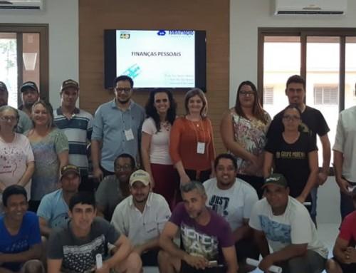 Treinamento sobre Finanças Pessoais é realizado por professores do Projeto de Gestão de Empreendimento Agropecuário